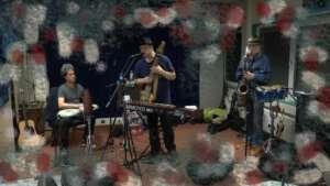 Galaxy Gypsy voor radioprogramma HoOreNdol in studio Wereldstad