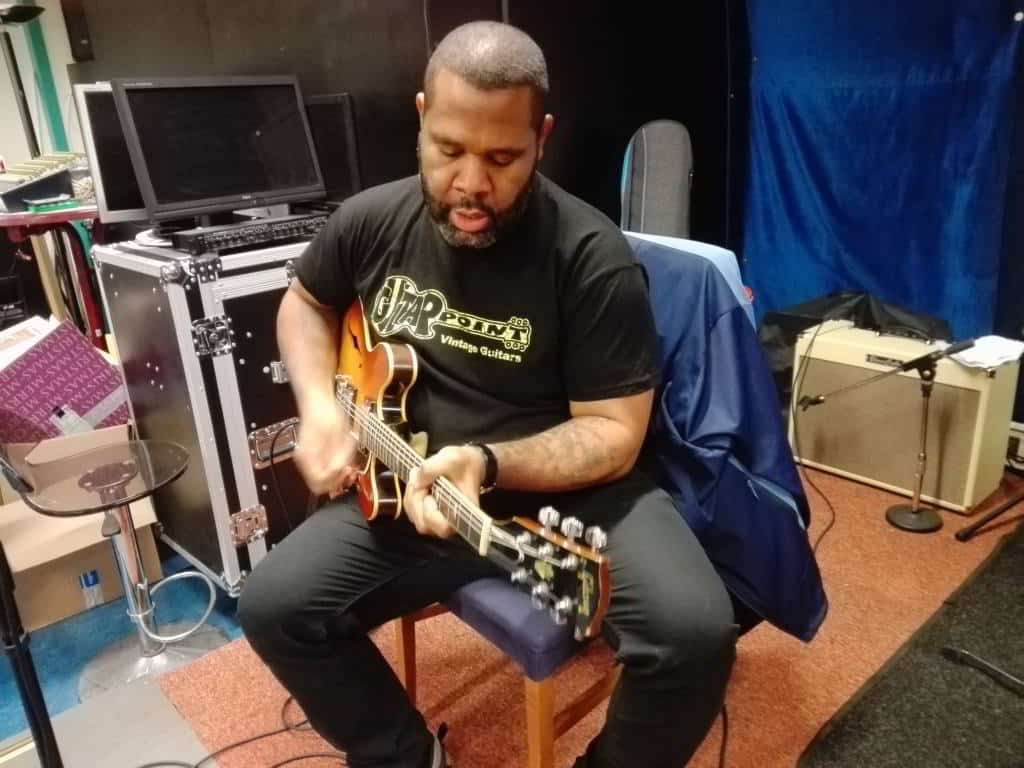 Kirk Fletcher blues gitarist